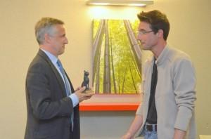 François-Xavier Dugourd remet le Caillou d'Or 2015 au Docteur Sylvain Buttoud