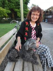 Le chien Dalton et sa maîtresse