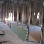 L'intérieur des bâtiments administratifs en cours d'aménagement
